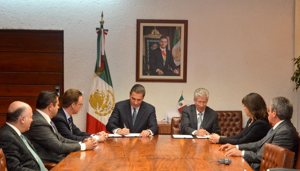 Firman SCT y Gobierno de Puebla título de asignación para tren turístico en la ruta Cholula-Puebla
