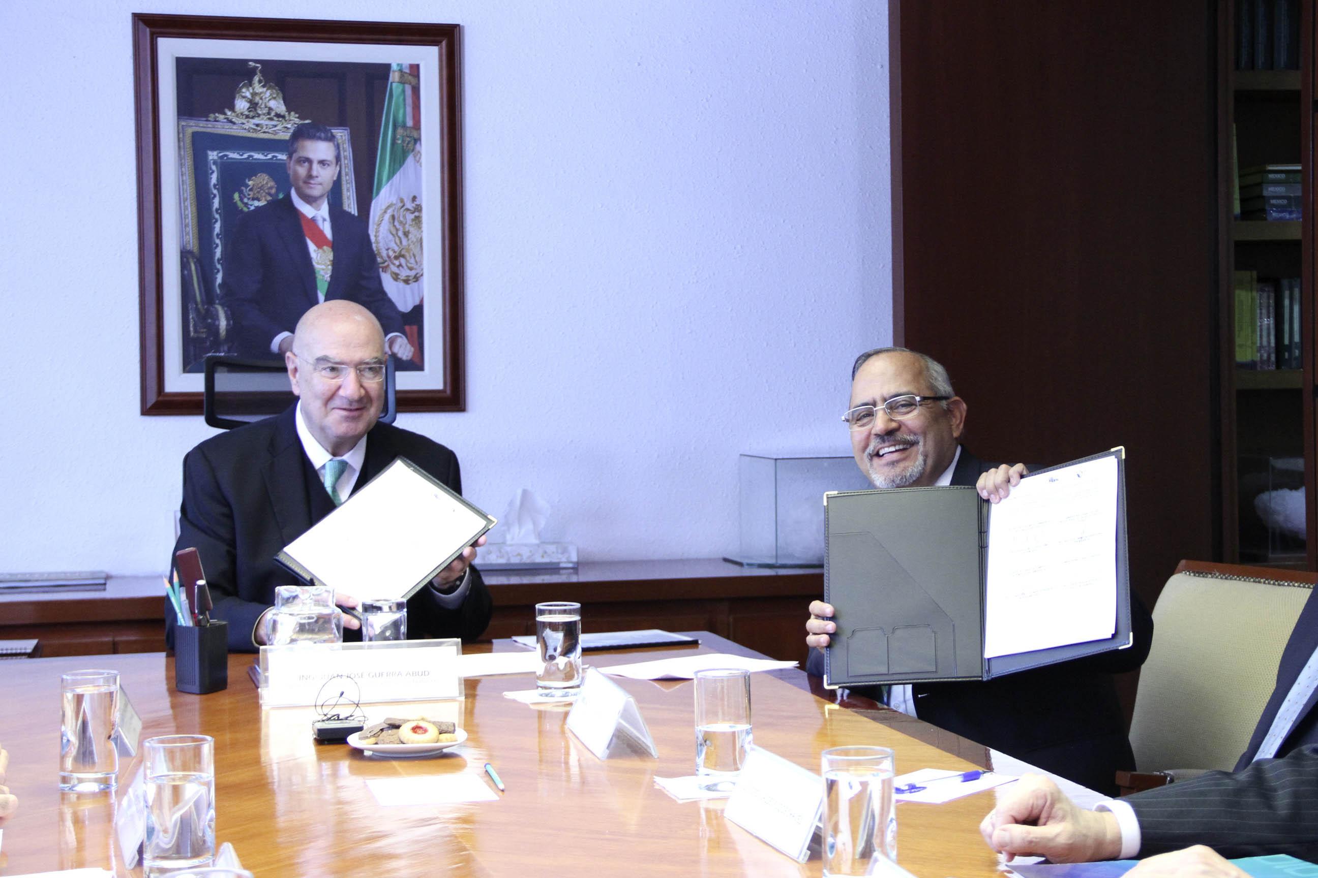 Guerra Abud firma convenio a favor del desarrollo y uso racional de los recursos forestales