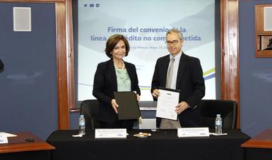 El Director General de FIRA, el Dr. Rafael Gamboa y la Maestra Moira Paz Estenssoro, Directora Representante de CAF en México