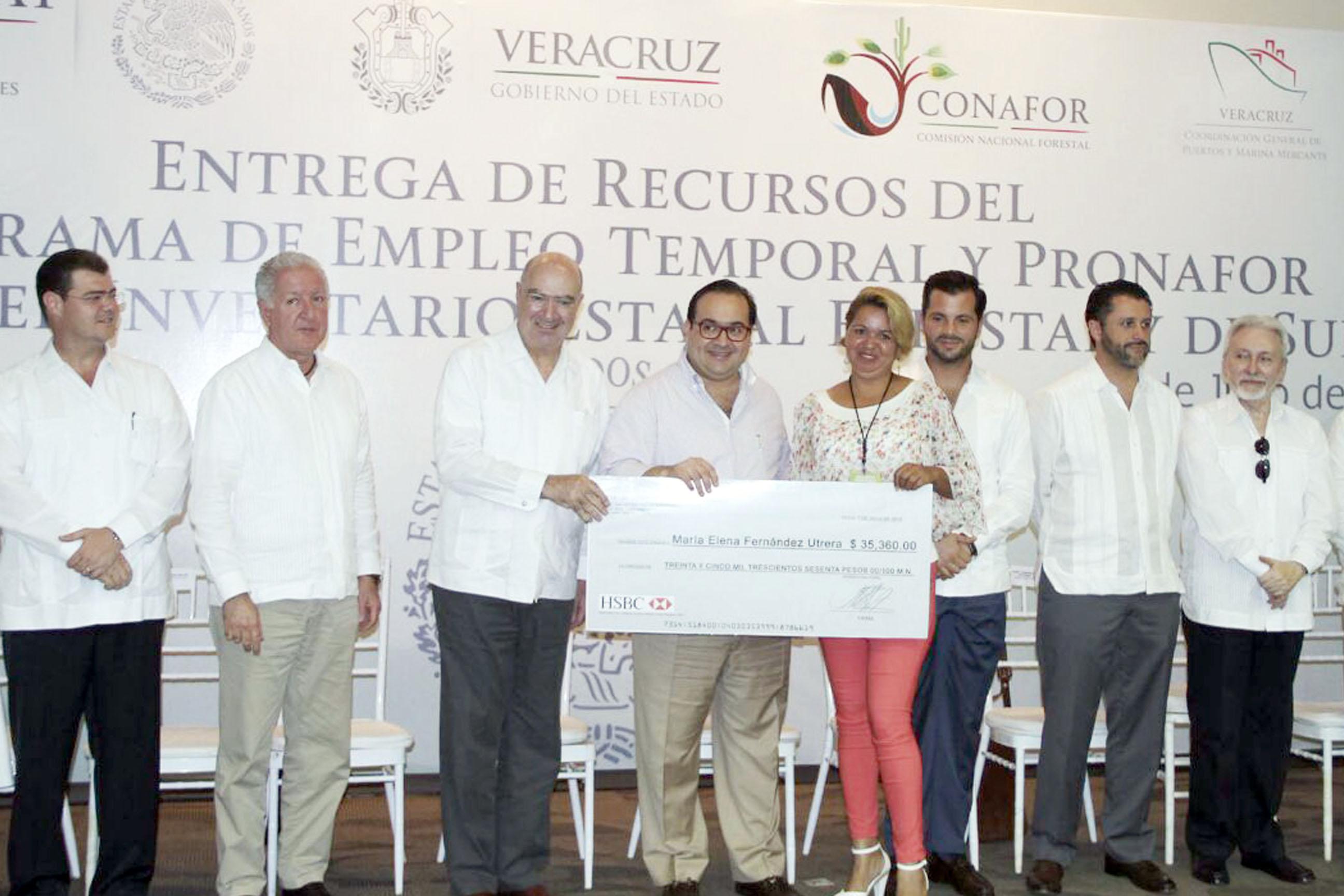 Entrega de PET al estado de Veracruz.