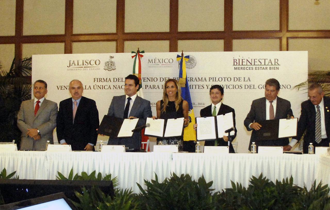 Firma del Convenio del Programa Piloto de la Ventanilla Única Nacional para los Trámites y Servicios del Gobierno.
