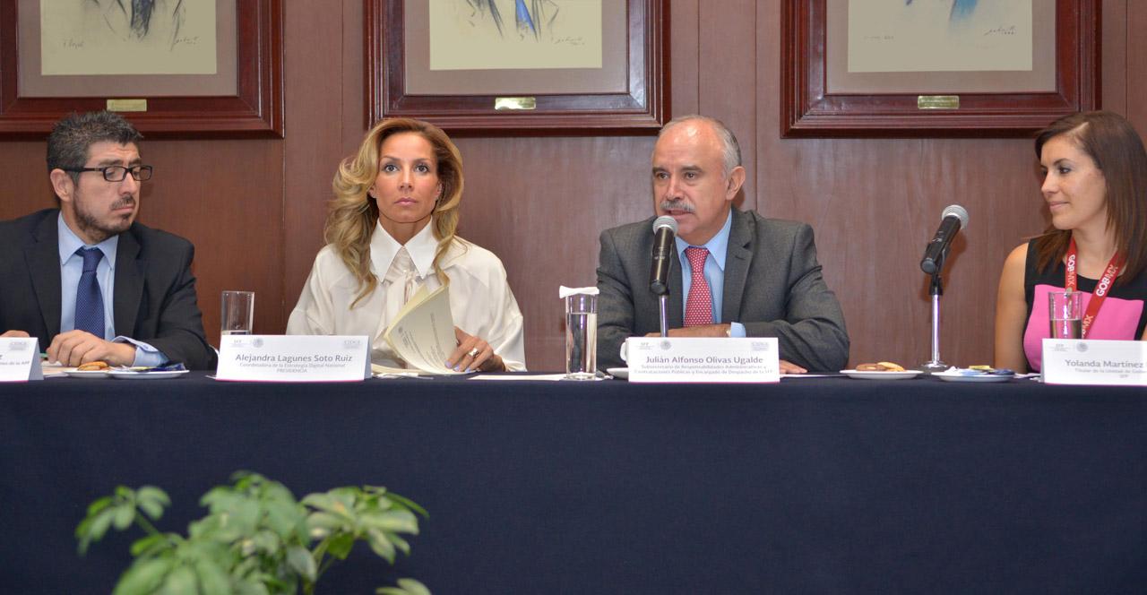 César Osuna Gómez, Alejandra Lagunes Soto Ruiz, Julián Olivas Ugalde y Yolanda Martínez Mancilla.