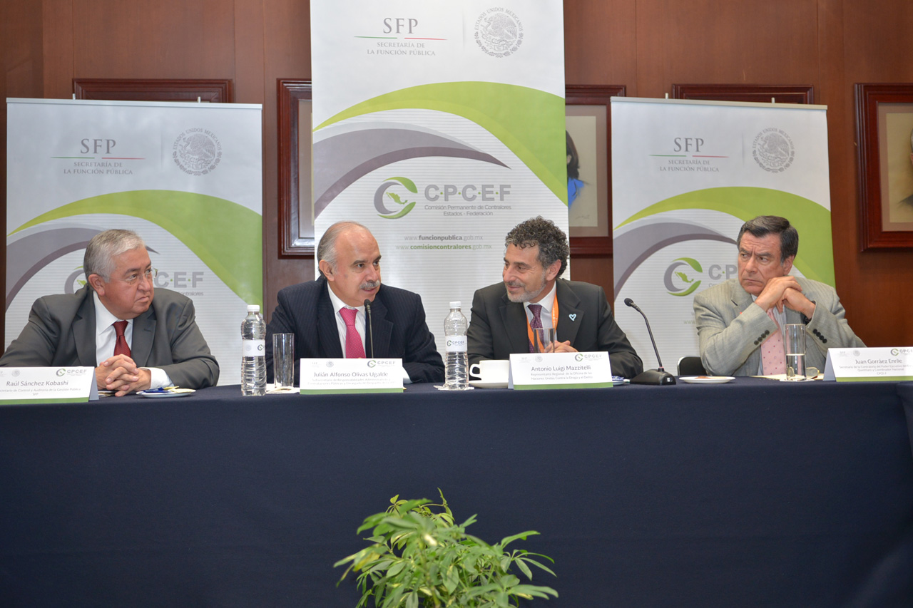 Raúl Sánchez Kobashi, Julián Olivas Ugalde, Antonio Luigi Mazzitelli y Juan Gorráez Enrile.