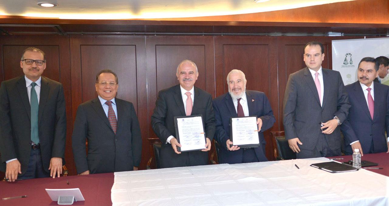 Firma del convenio de colaboración entre el Tribunal Electoral del Poder Judicial de la Federación y la Secretaría de la Función Pública.