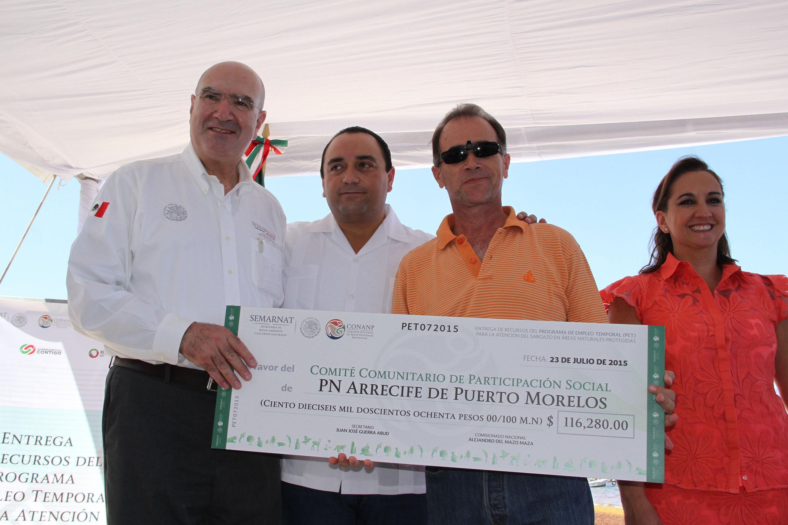 Entrega de recursos a Cancún, Qroo.