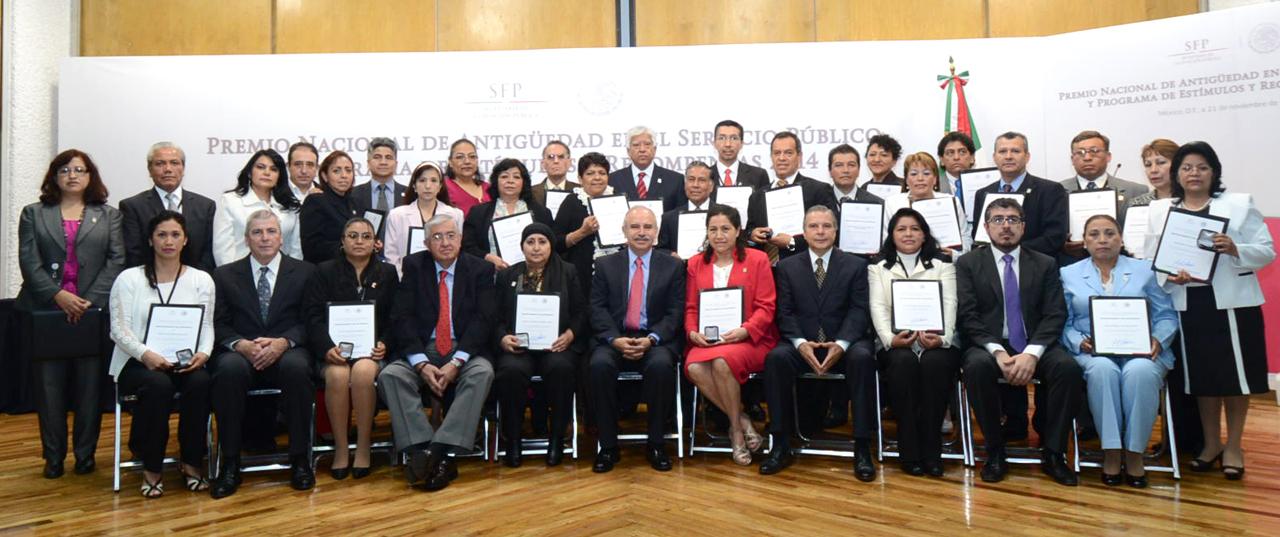 Ceremonia de entrega del Premio Nacional de Antigüedad en el Servicio Público y Programa de Estímulos y Recompensas 2014.