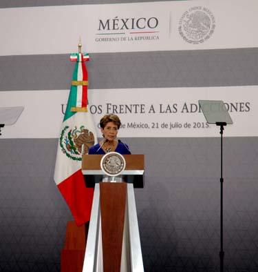 La doctora Mercedes Juan hizo un reconocimiento a las fuerzas armadas por su compromiso con la sociedad al promover estilos de vida saludables.