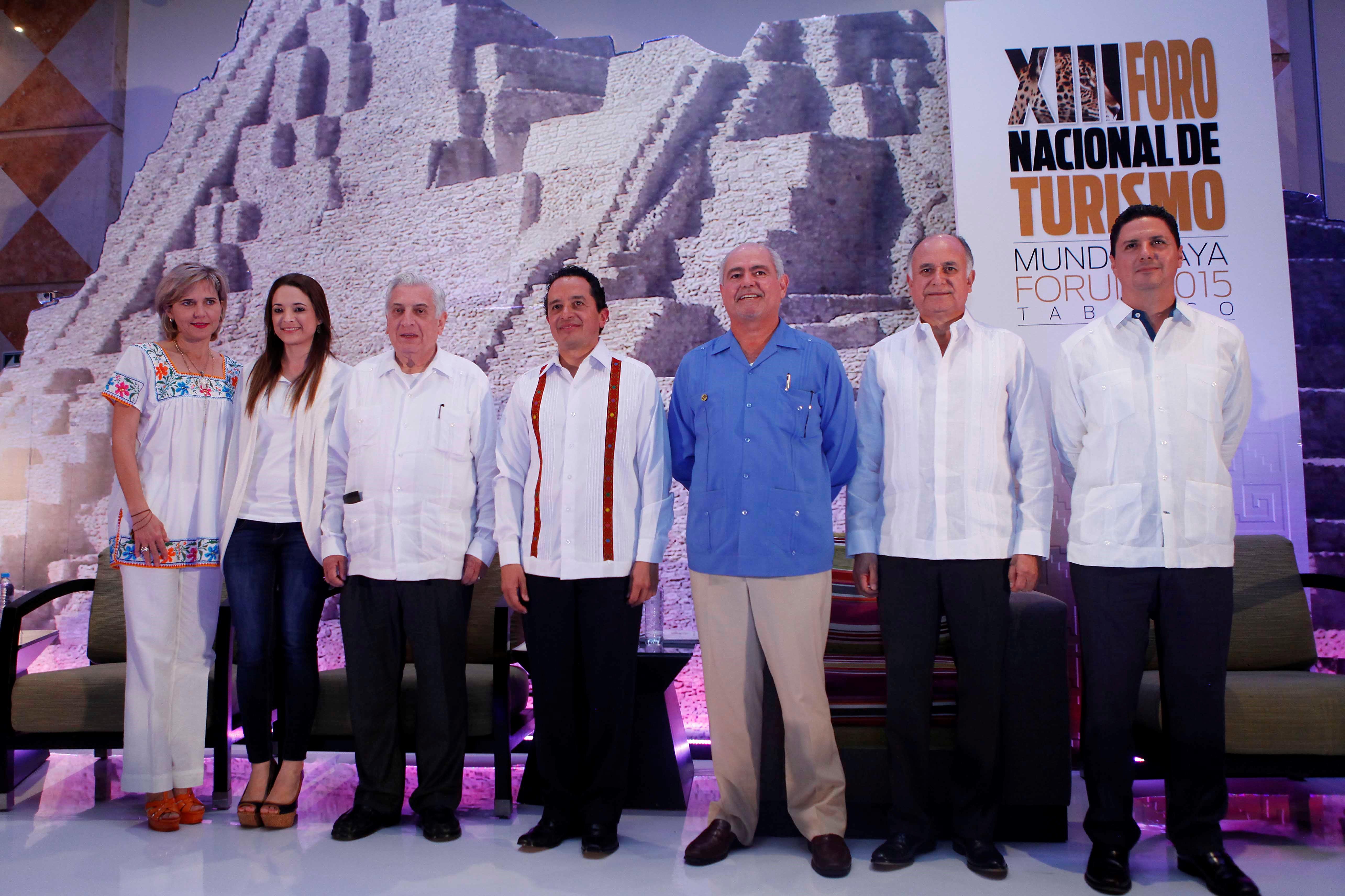 Carlos Joaquín González, subsecretario de Innovación y Desarrollo Turístico de la SECTUR, inauguró los trabajos del XIII Foro Nacional de Turismo.