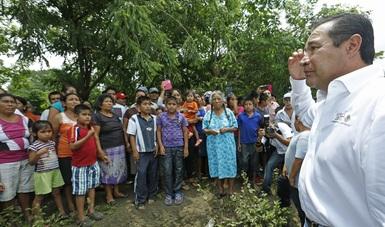 Luis Miranda realizó un recorrido por zonas afectadas por la tormenta tropical que afectó a familias de más de 127 municipios de Oaxaca