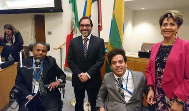 La Dra. Mercedes Juan, Directora General del Consejo Nacional para el Desarrollo y la Inclusión de las Personas con Discapacidad, y el Sr. Marco Antonio Ferreira Pellegrini, Secretario Especial de los Derechos de la Persona con Discapacidad del Ministerio