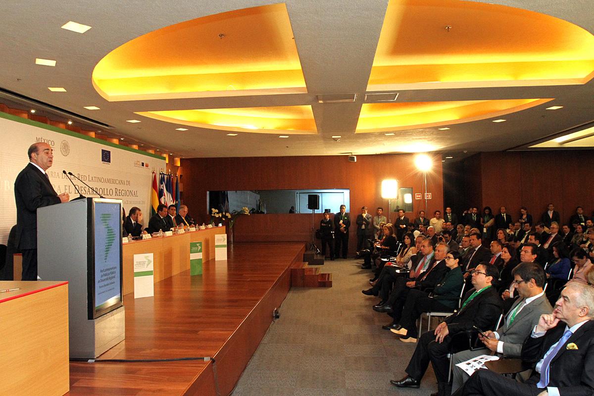 El secretario de Desarrollo Agrario, Territorial y Urbano, Jesús Murillo Karam, durante la inauguración de la Tercera Reunión Ordinaria de la Red Latinoamericana de Políticas Públicas de Desarrollo Regional.