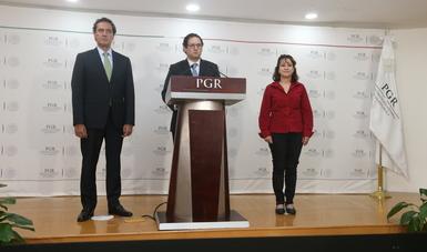 Mensaje a medios del Titular de FEADLE Ricardo Sánchez Pérez del Pozo, acompañado del Titular de SJAI  y la Titular de SDHPDSC