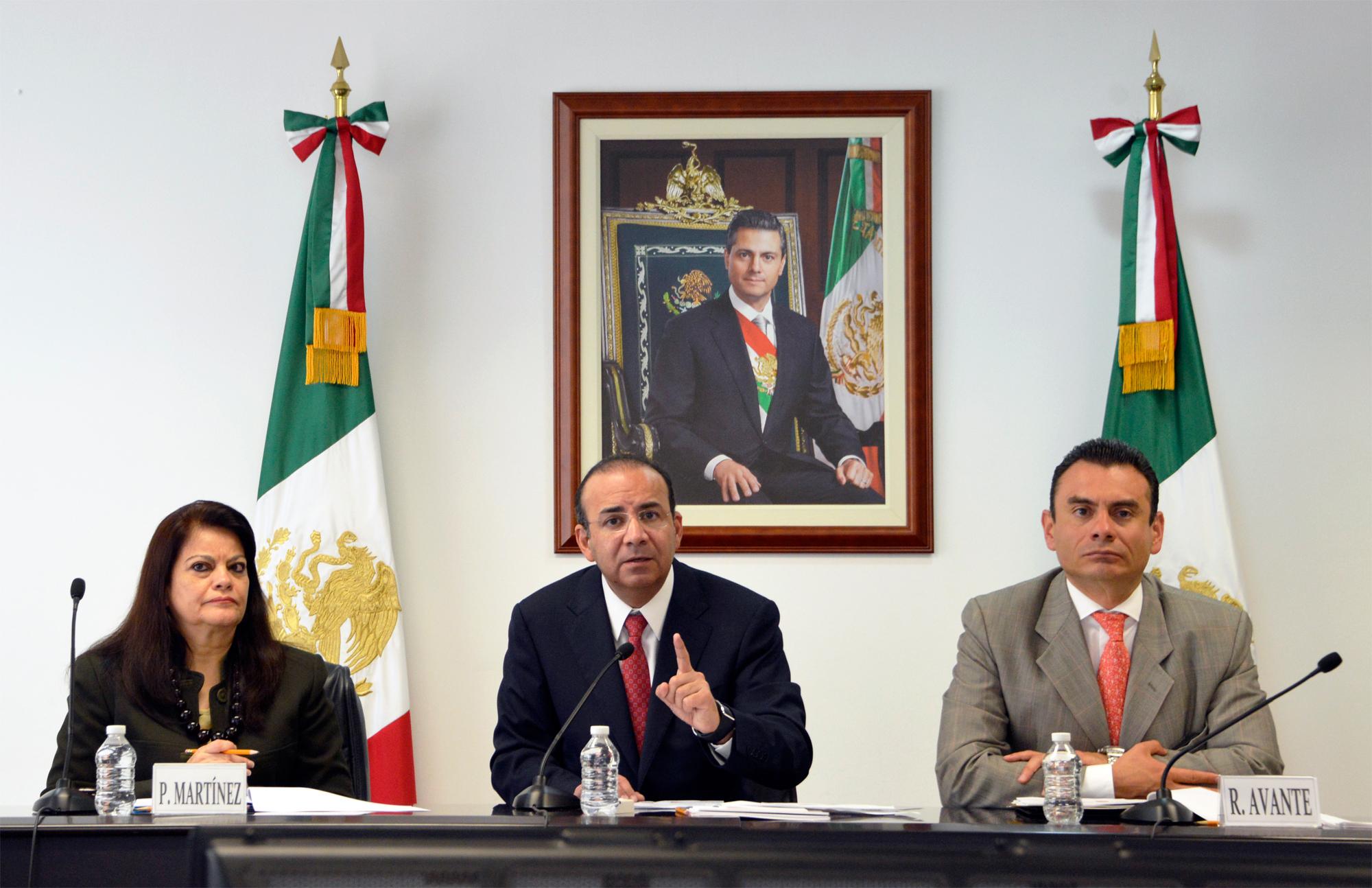 El Secretario del Trabajo y Previsión Social, Alfonso Navarrete Prida, explicó en conferencia de prensa, el comportamiento de los ingresos de los hogares en lo referente al ingreso laboral.