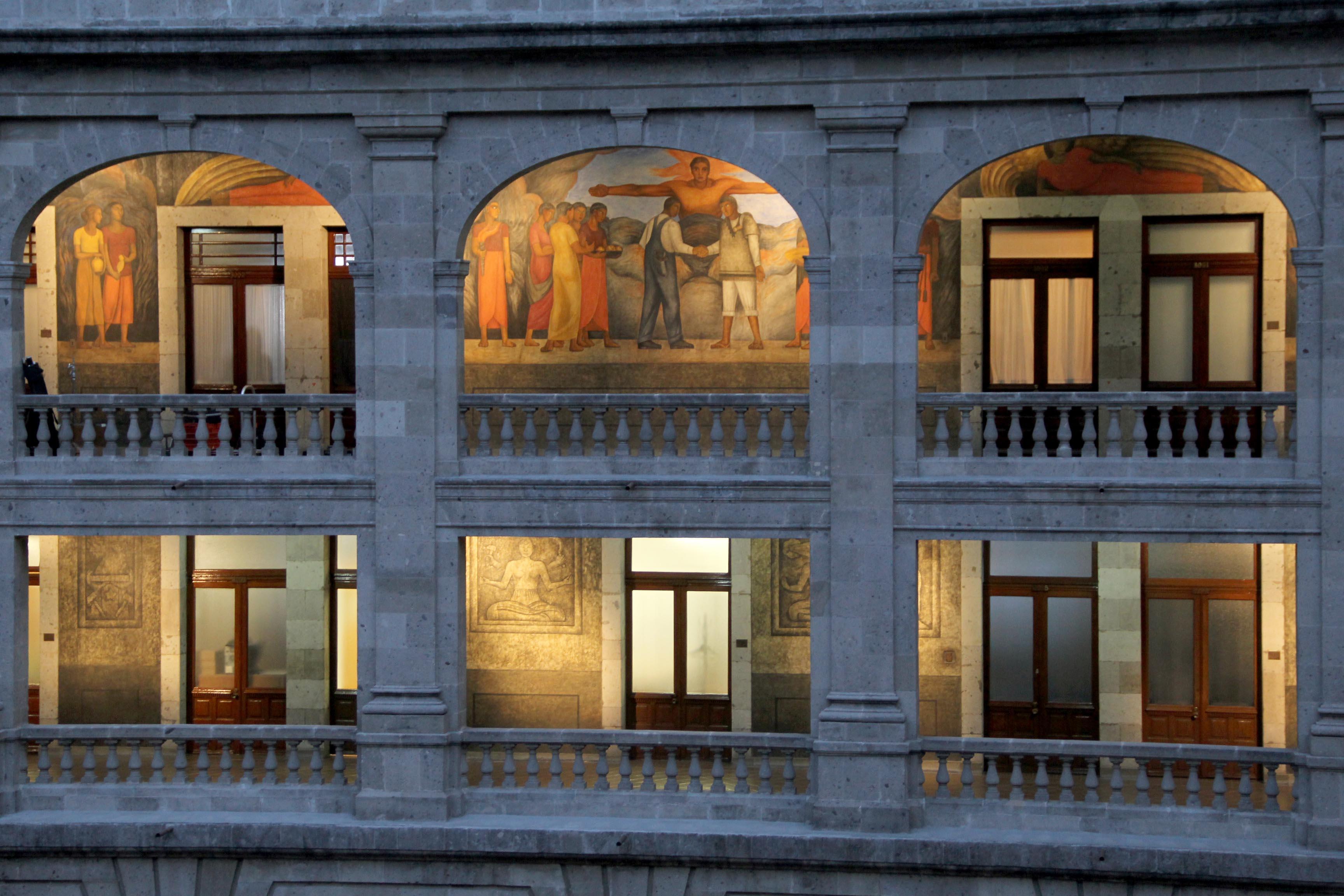 Los contenidos educativos en México tienen que hacerse vinculando los esfuerzos del sector cultural mediante la digitalización de su patrimonio histórico.