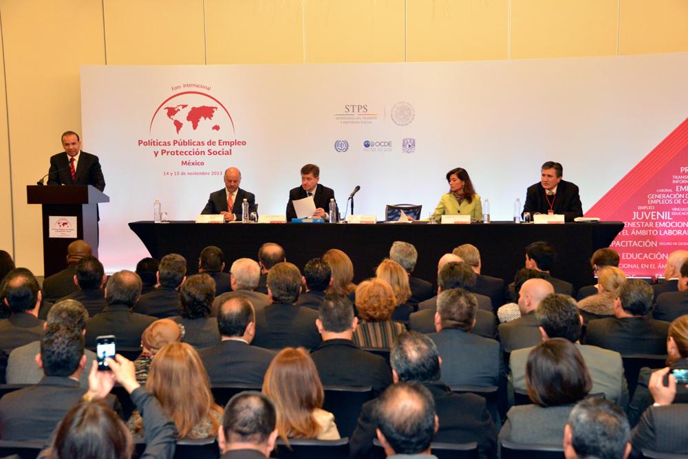 Conferencia de prensa del Secretario del Trabajo, Alfonso Navarrete Prida y del Director General de la OIT, Guy Ryder.
