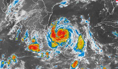 Se pronostican tormentas extraordinarias en Veracruz y torrenciales en Puebla, debido a Franklin.