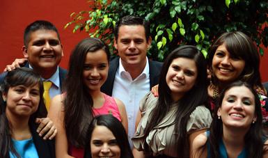 """La Conferencia Mundial de Ministros de la Juventud que se realizó en Lisboa en el año 1998, declaró el12 de agosto como el """"Día Internacional de la Juventud""""."""