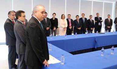 El Secretario de Economía, Ildefonso Guajardo Villarreal, dio posesión a Rogelio Cerda Pérez como Procurador Federal del Consumidor, quien fue designado por el Presidente de la República, Enrique Peña Nieto.