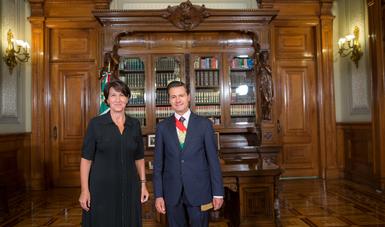 El Primer Mandatario recibió Cartas Credenciales de 7 Embajadores residentes en México y 5 Embajadores concurrentes. Aquí con la señora Anne Grillo, Embajadora de la República de Francia.