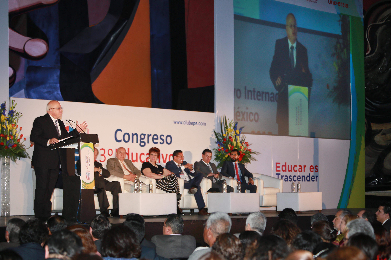 El subsecretario de Educación Media Superior al inaugurar el XIII Congreso Educativo Internacional Educar es Trascender