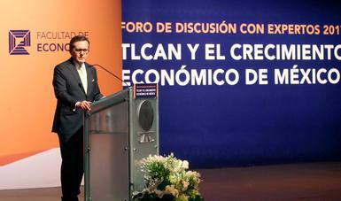 """El Secretario de Economía participó en el Foro """"TLCAN y el Crecimiento Económico de México"""""""