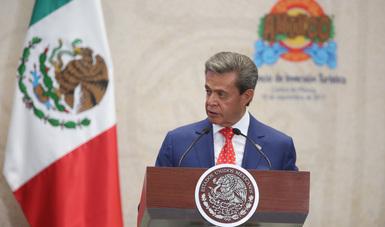 """""""El gran dinamismo que ha experimentado el turismo en el Gobierno del Presidente Peña Nieto se ha traducido en que hoy más de 10 millones de mexicanos trabajen diariamente en este importante sector"""": Carlos Peralta."""