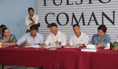 Sigue el apoyo a Oaxaca. Firman convenio para para que remoción de escombros no afecte al medio ambiente