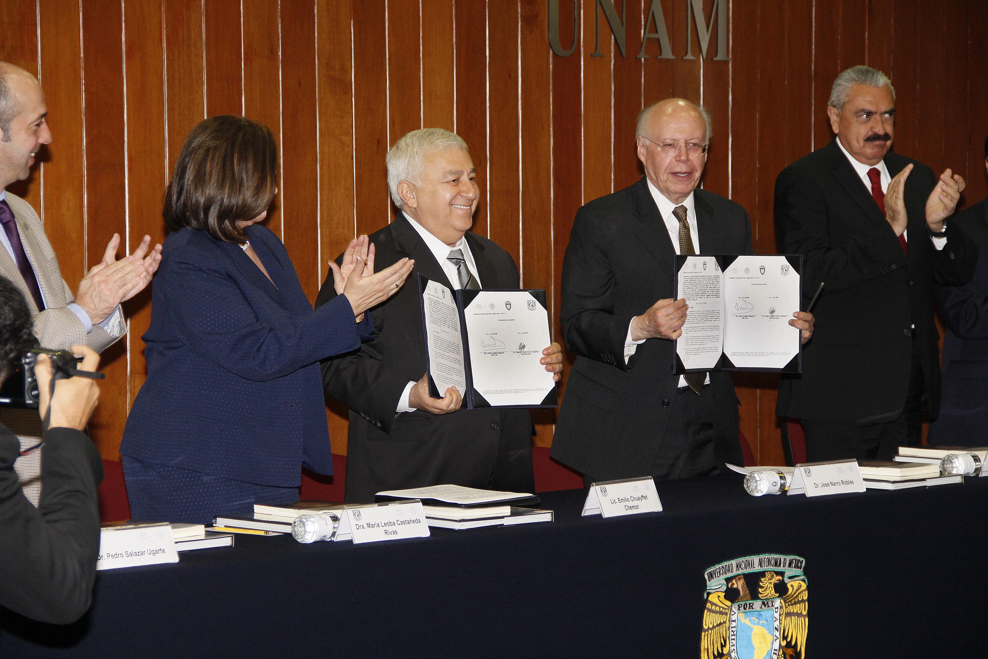 Firman convenio Chuayffet y Narro en materia de investigación jurídica