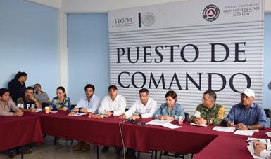 El Gobierno de la República está presente en estos momentos de emergencia y realiza acciones de atención y acompañamiento a todos los mexicanos afectados por los sismos del pasado siete de septiembre y el ocurrido el martes.