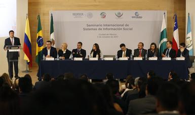 Subsecretario Javier García Bejos en Seminario Internacional de Sistemas de Información Social