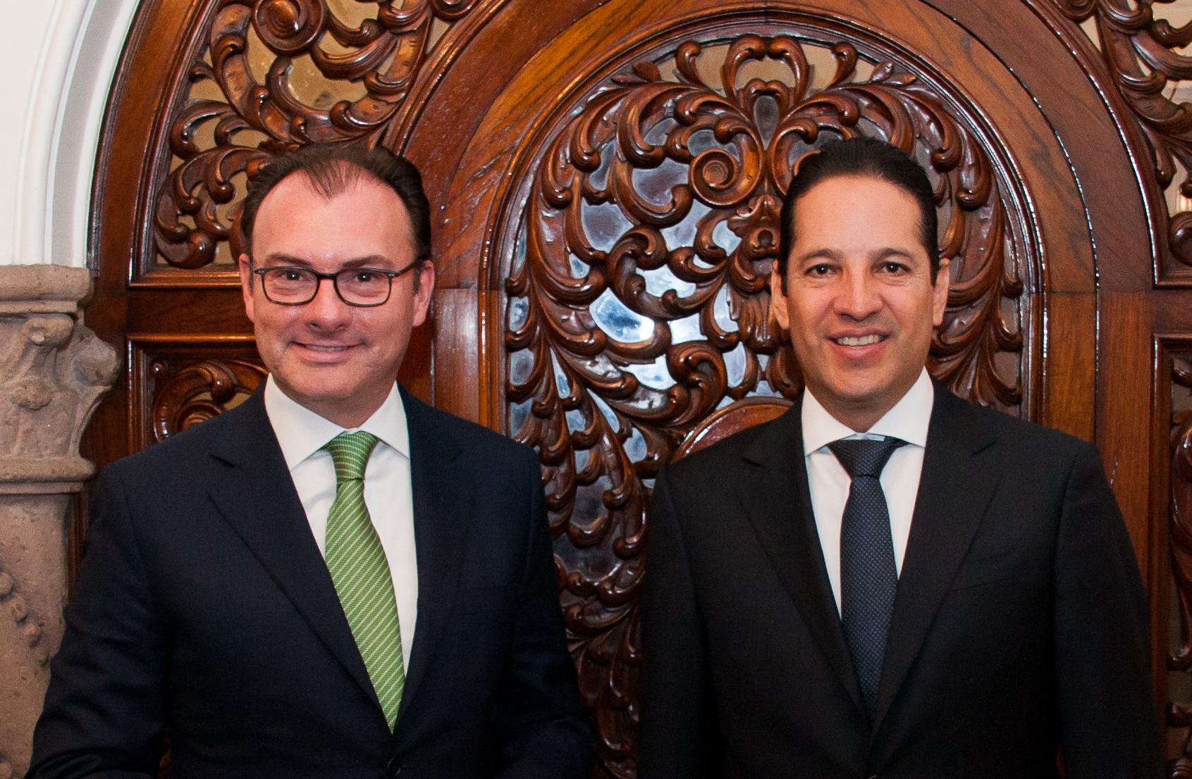 El Secretario de Hacienda, Luis Videgaray, con el gobernador electo de Querétaro, Francisco Domínguez