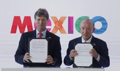 La Secretaría de Turismo (Sectur) del Gobierno de la República y Grupo IAMSA firmaron un acuerdo para promover el turismo a partir de una mayor oferta y promoción de destinos en México.
