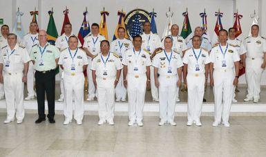 Mandos de las Armadas asistentes a la VI Conferencia Naval Interamericana Especializada en Interoperabilidad