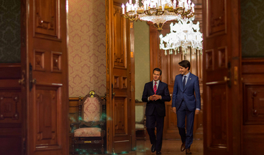 Ambos líderes dialogaron sobre el estado actual de las negociaciones del Tratado de Libre Comercio de América del Norte y reiteraron su convicción de trabajar por un acuerdo que beneficie a los tres países de la región.
