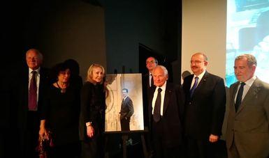 Rinden Homenaje a Carlos Fuentes en París