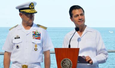 """El Primer Mandatario expresó su reconocimiento a las Fuerzas Armadas; """"los mexicanos nos llenamos de orgullo por su invaluable esfuerzo para rescatar vidas en los momentos más críticos""""."""
