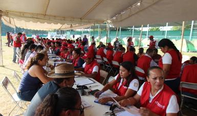 Concluye la primera etapa de visita domiciliaria en Oaxaca  para entrega de tarjetas con recursos de Fonden