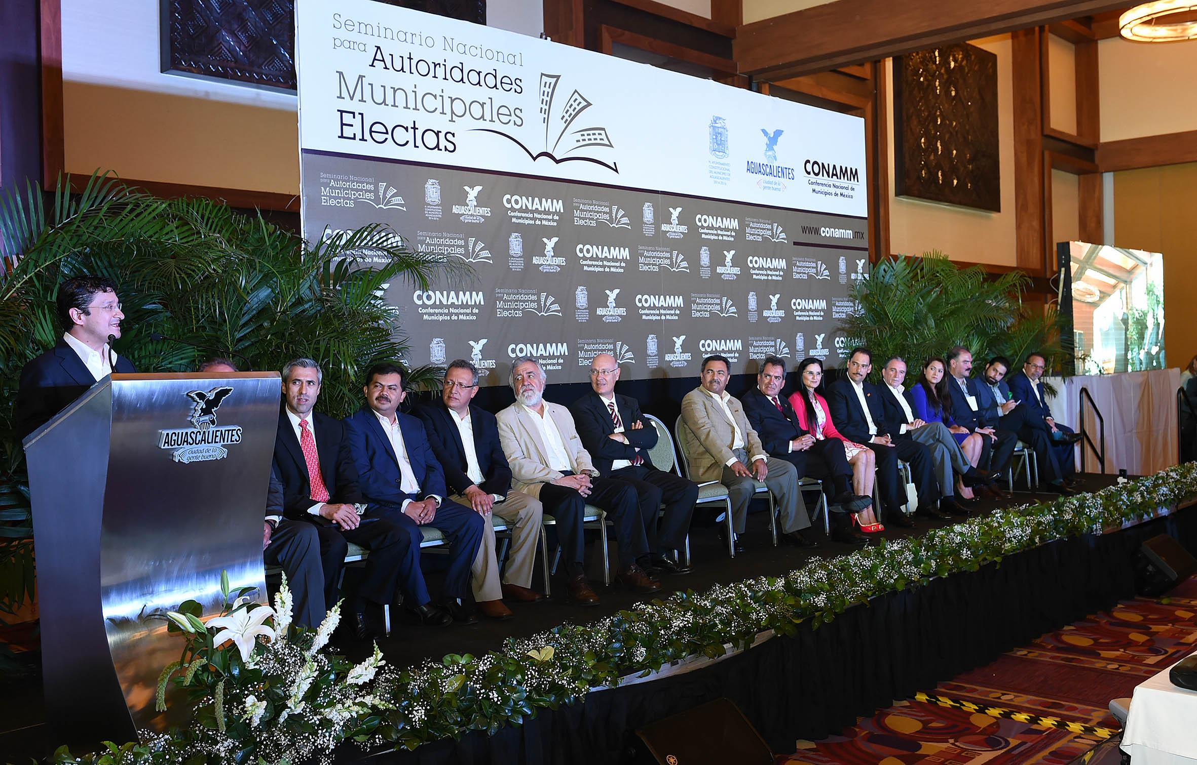 Participación del Secretario de la Función Pública, Virgilio Andrade Martínez, en la inauguración del Seminario Nacional para Autoridades Municipales Electas.