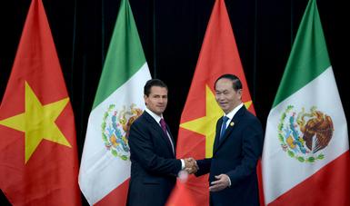 El Primer Mandatario se encuentra de visita en el país asiático para participar en la XXV Reunión de Líderes del Foro de Cooperación Económica Asia-Pacífico (APEC), que se celebrará los días 10 y 11 de noviembre.