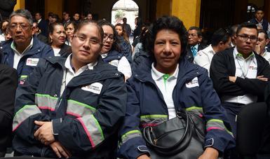 Felicita el Presidente Enrique Peña Nieto a carteros y empleados del Servicio Postal Mexicano