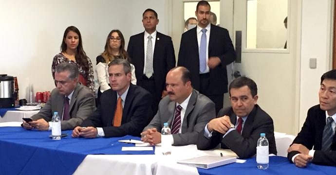 Visita el Secretario de Economía las instalaciones de la empresa Foxconn en Ciudad Juárez