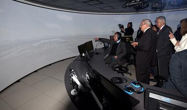 Capacitan con simulador de control aéreo de última tecnología a personal del NAICM