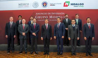 """""""Hoy podemos decir que 2017 ha tenido un saldo favorable para la economía mexicana, y seguiremos trabajando para que 2018 sea aún mejor"""": EPN"""