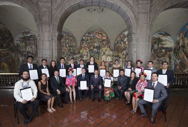 Ganadores del Premio Nacional a la Juventud 2015.