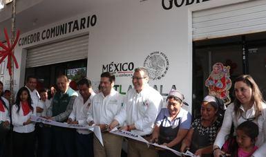 Subsecretario Javier García Bejos inaugurando un comedor comunitario