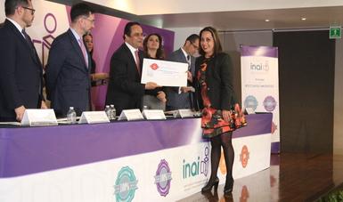 El INAI reconoce el compromiso de la Comisión Nacional de Libros de Texto Gratuitos