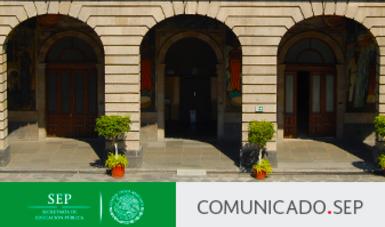 Murales y oficinas del edificio sede de la SEP