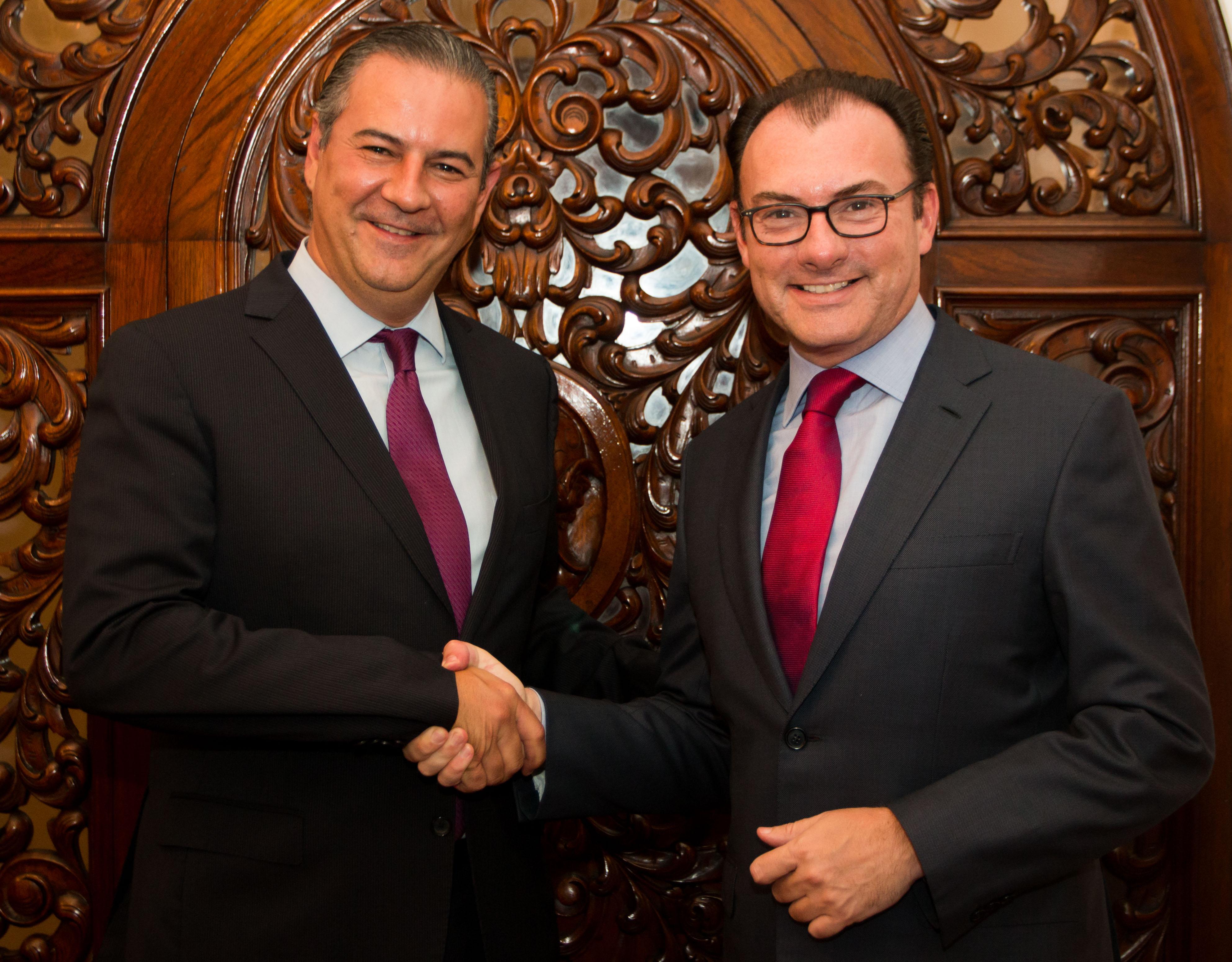 El Secretario de Hacienda y Crédito Público, Dr. Luis Videgaray Caso y el Presidente del Consejo Coordinador Empresarial, Lic. Gerardo Gutiérrez Candiani.