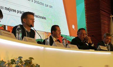 COFEPRIS Fortalece la Competitividad de la Industria Farmacéutica