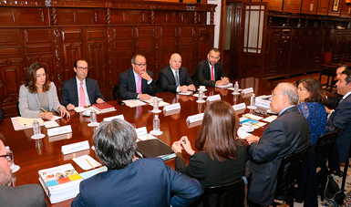 Se reúnen Granados Roldán y Gurría Treviño, para analizar recomendaciones de la OCDE